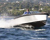 Fast Electric Boat - Bolt 18